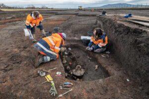 2000-летние останки младенца и собаки обнаружены во Франции