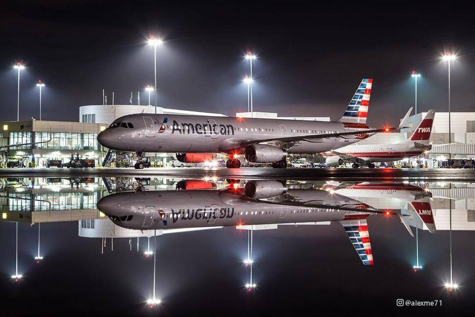 Авиакомпания American Airlines занялась доставкой вина на дом