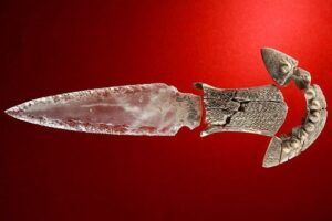 В Испании нашли хрустальный кинжал возрастом 5 тысяч лет
