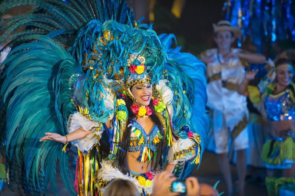 Карнавал в Рио-де-Жанейро отменили впервые за 100 с лишним лет