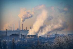 Загрязненный воздух вызывает необратимую потерю зрения