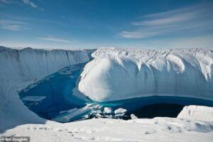 За четверть века на Земле растаяло 28 триллионов тонн льда