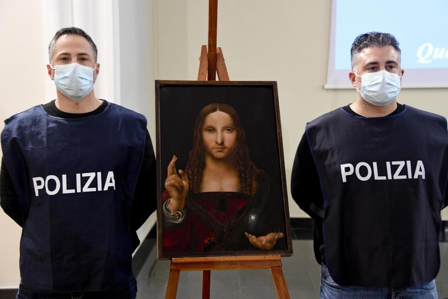Похищенную картину школы Леонардо да Винчи нашли в шкафу спальни.Вокруг Света. Украина