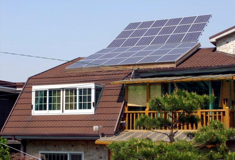В Украине уже 30 тыс. семей установили дома солнечные панели