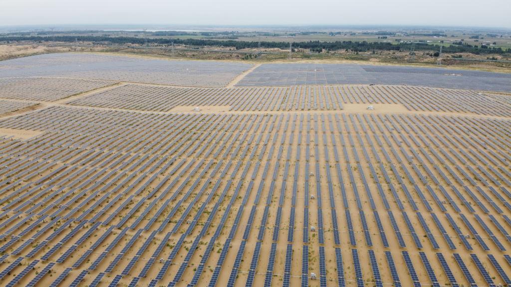 Солнечные батареи в Сахаре превратили бы ее в зеленый сад, но это опасно для глобального климата