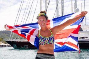 Самая молодая женщина в истории пересекла Атлантику