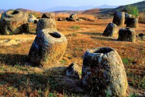 Археологи уточнили возраст лаосской Долины Кувшинов