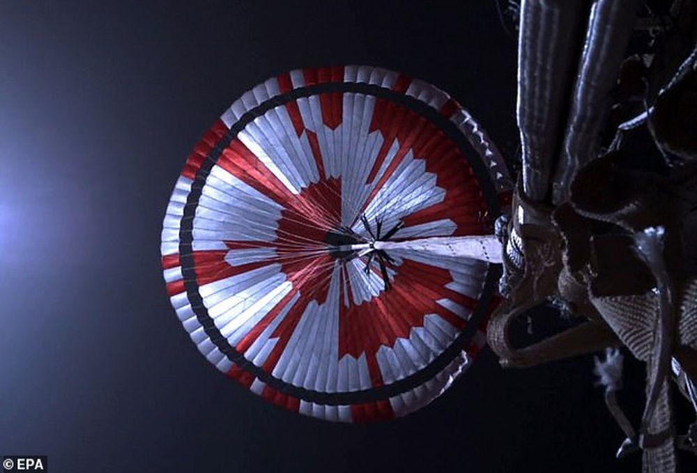 На парашюте марсохода Perserverance обнаружилось зашифрованное послание.Вокруг Света. Украина