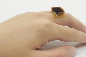 В США создали зарядное устройство, работающее от тепла тела