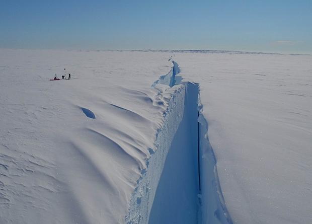 В Антарктиде от ледника откололся айсберг больше Киева.Вокруг Света. Украина