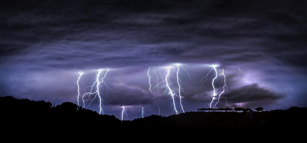 Жизнь на Земле возникла благодаря молниям: новая теория