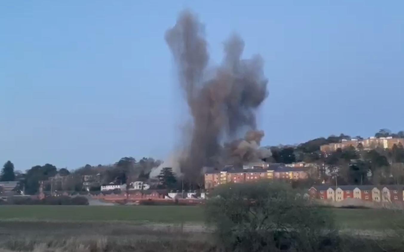 В Англии взорвали бомбу времен Второй мировой войны