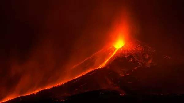 В Исландии проснулся вулкан, спавший 900 лет.Вокруг Света. Украина