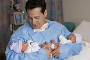 Рождаемость близнецов достигла в мире исторического максимума