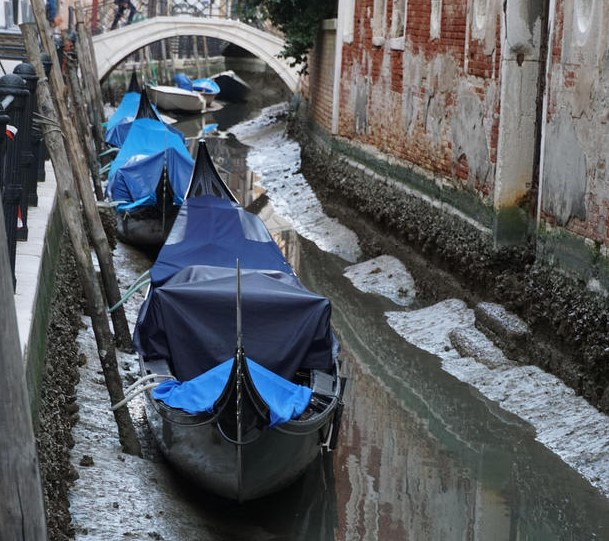 В Венеции ушла вода из каналов.Вокруг Света. Украина