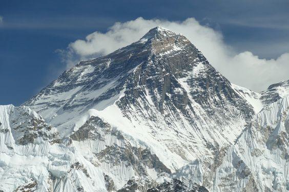 Когда альпинисты смогут снова покорять Эверест?.Вокруг Света. Украина