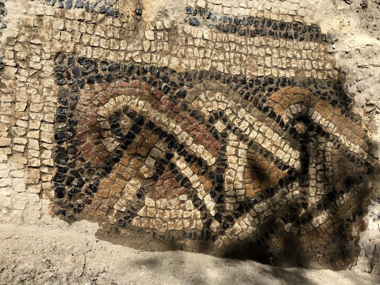 В Испании на раскопках римских вилл найдена огромная мозаика