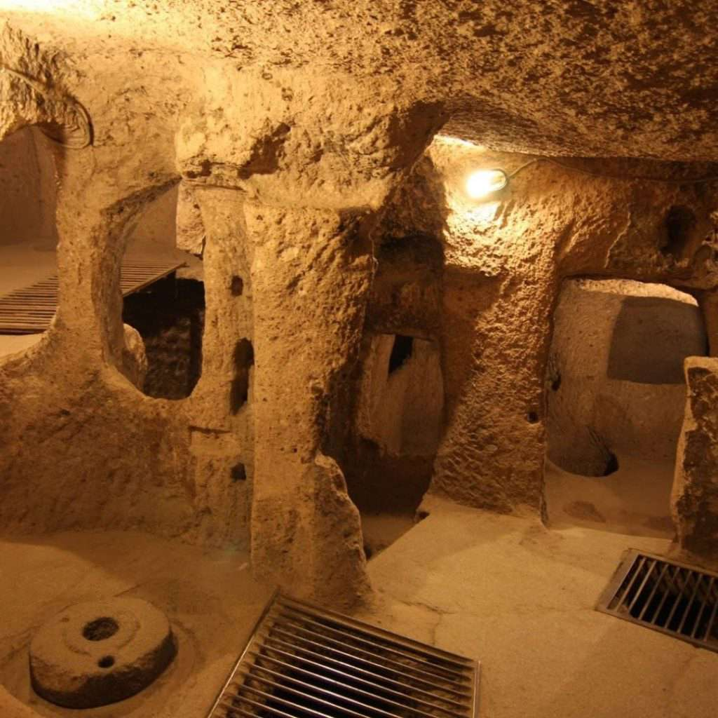 Нушабед - тайный подземный город в Иране