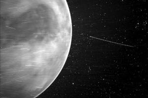 Солнечный зонд Parker заглянул за атмосферу Венеры