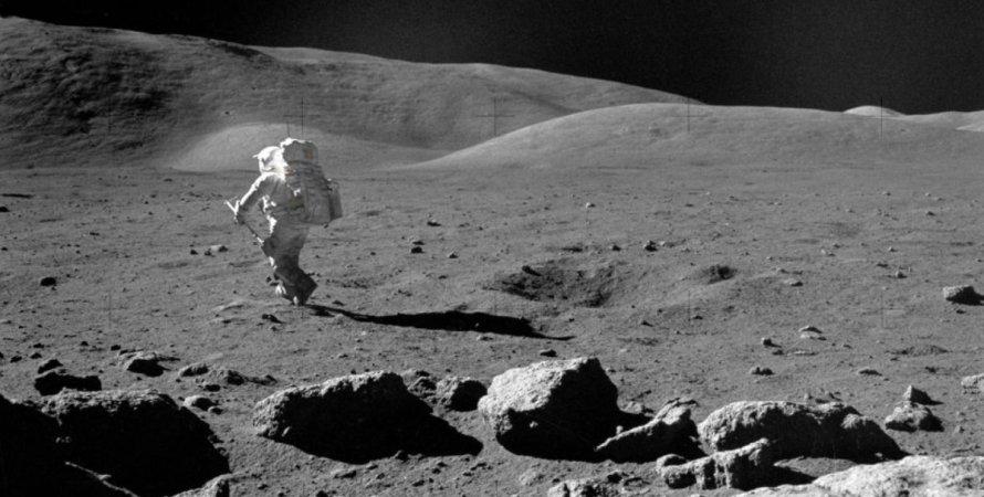 Сколько нужно времени, чтобы обойти Луну