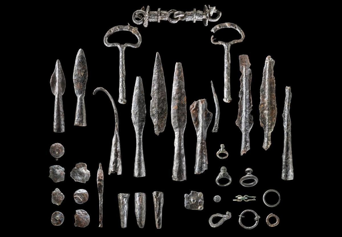 В Германии откопали крупнейший склад оружия железного века.Вокруг Света. Украина