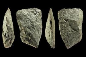Золотые копи Сахары скрывали клад каменных орудий: им 700000 лет