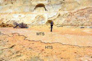 Археологи нашли следы юных неандертальцев, игравших в песке
