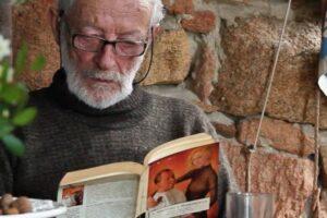 81-летний итальянец покидает необитаемый остров, на котором в одиночку прожил более 30 лет