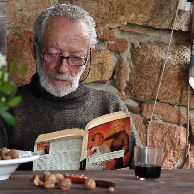 81-летний итальянец покидает необитаемый остров, на котором в одиночку прожил более 30 лет.Вокруг Света. Украина