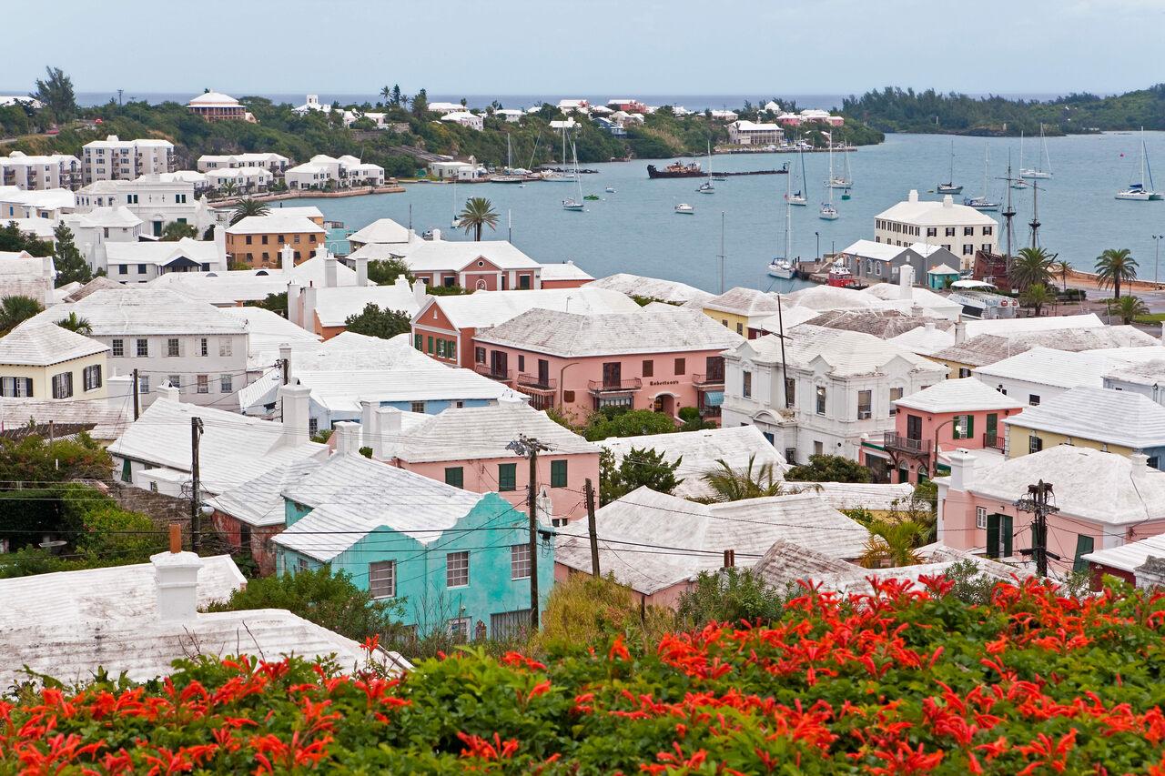 Умные крыши: как уникальная архитектура сделала возможной жизнь на Бермудах, где нет пресной воды