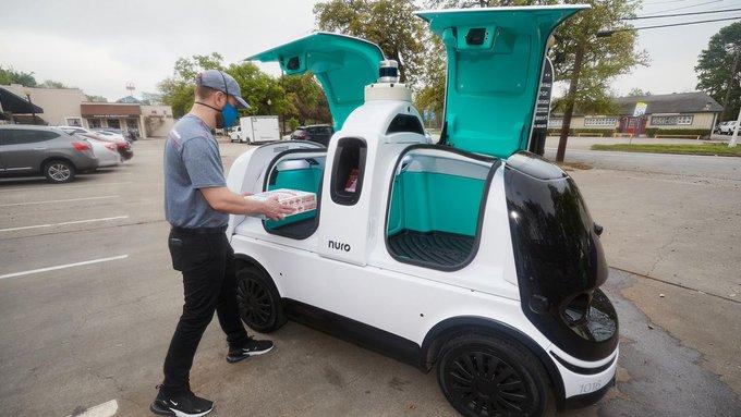 Доставщиками пиццы в Техасе стали роботы-автомобили.Вокруг Света. Украина