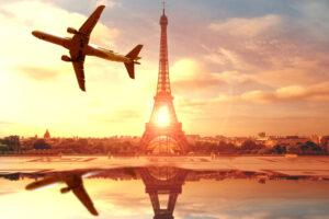Во Франции запретила короткие внутренние авиарейсы