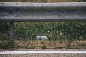 В Бельгии велогонщика сняли с трассы за выброшенную бутылку