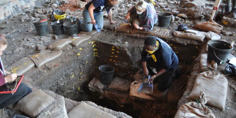 В Южной Африке нашли тайник коллекционера, жившего 105 тысяч лет назад