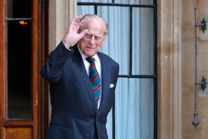Умер принц Филипп: что мы знаем о муже Елизаветы II