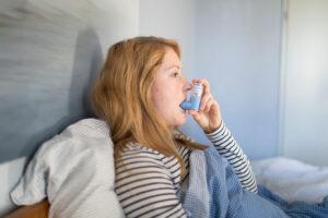 Недорогое лекарство от астмы показало эффективность против COVID-19