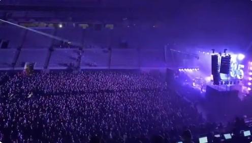 В Испании тысячи человек позвали на концерт для оценки риска заражения COVID-19.Вокруг Света. Украина
