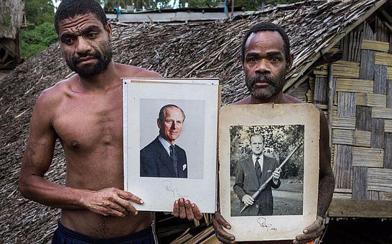 Племя из Вануату, обожествлявшее принца Филиппа, ждет его пришествия