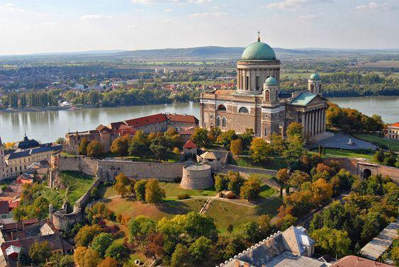 В кресте венгерского собора нашли 176-летнюю капсулу времени.Вокруг Света. Украина