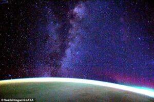 Астронавт SpaceX Dragon Resilience поделился завораживающим видео Млечного пути