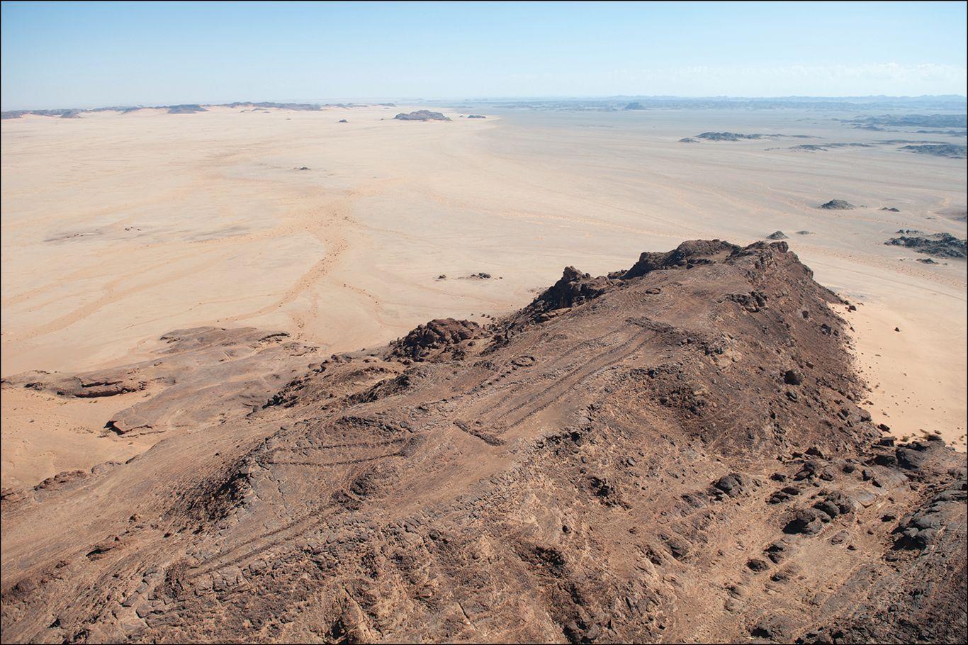 В Саудовской Аравии нашли более 1000 мустатилов: ранних каменных построек.Вокруг Света. Украина