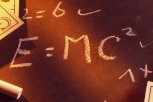 На аукционе продали письмо Эйнштейна с формулой за 1,2 миллиона долларов