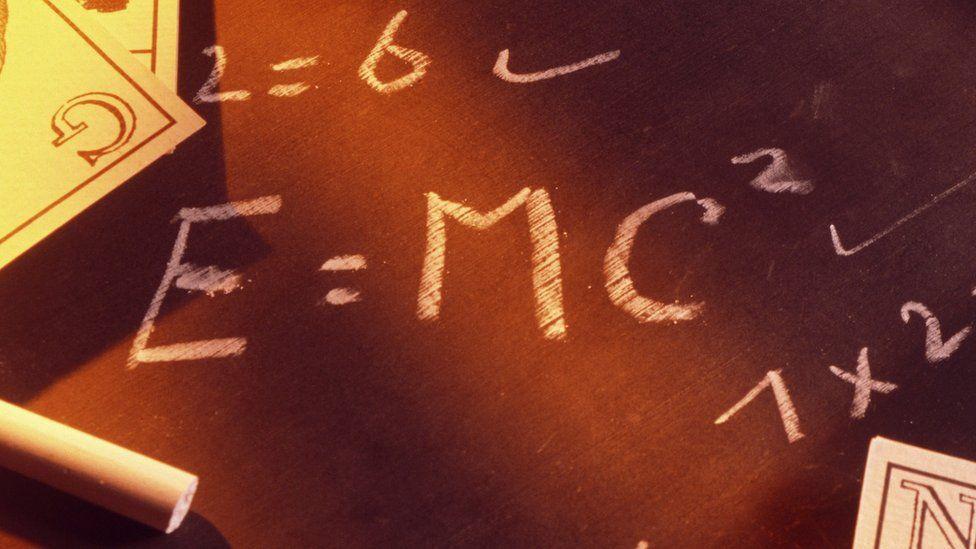 На аукционе продали письмо Эйнштейна с формулой за 1,2 миллиона долларов.Вокруг Света. Украина