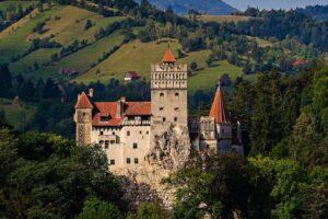 Замок Дракулы в Румынии стал центром вакцинации от COVID-19