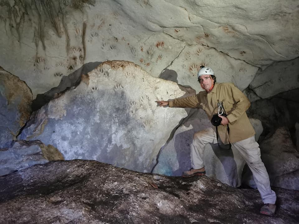 В Мексике нашли ритуальные отпечатки рук древних майя.Вокруг Света. Украина