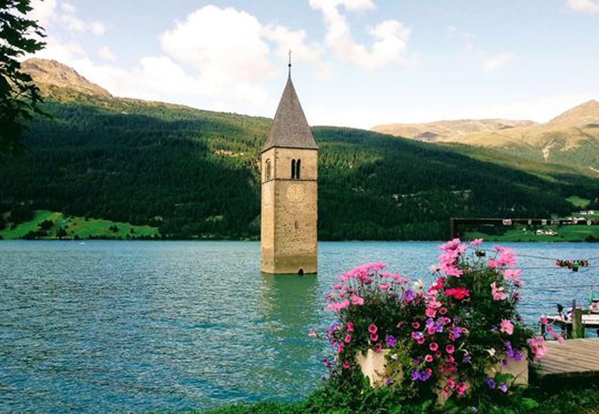 В Италии из-под воды показался городок, затопленный 70 лет назад.Вокруг Света. Украина