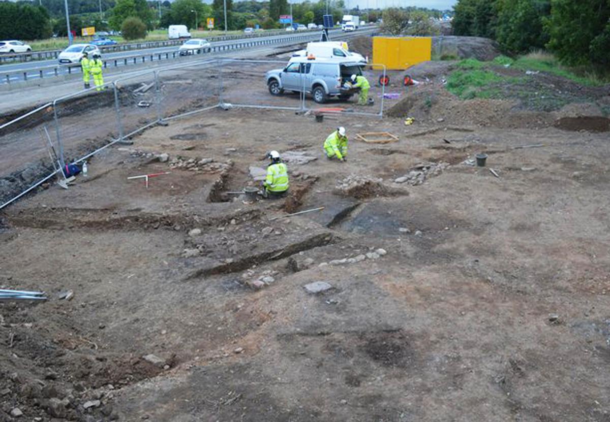 В Шотландии возле автострады раскопали средневековую деревню.Вокруг Света. Украина