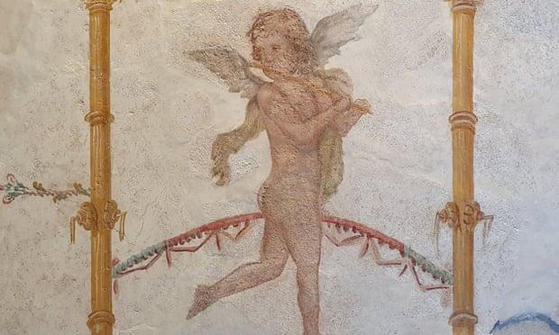 В Помпеи вернулись шесть украденных фресок