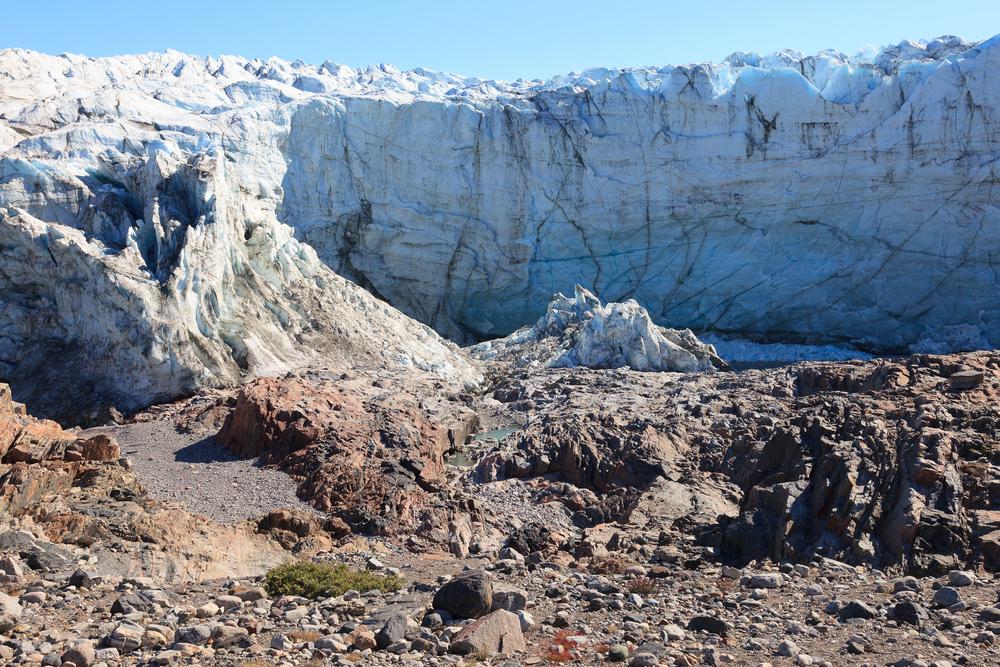 Тающие ледники Гренландии загрязняют экосистему шокирующим количеством ртути