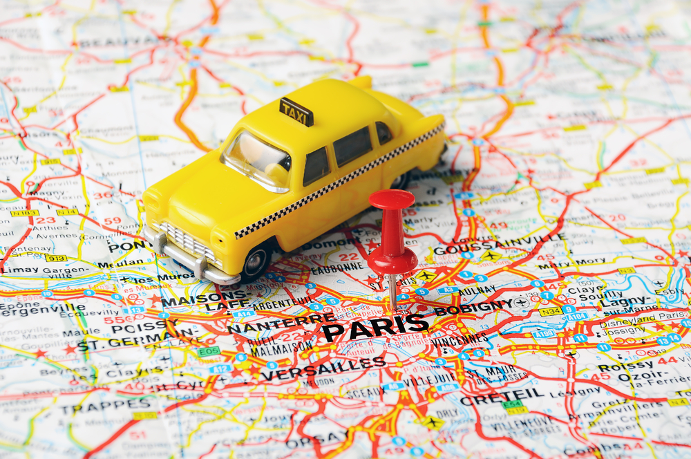 В Париже оштрафовали водителя, взявшего с туристов 230 евро за поездку.Вокруг Света. Украина